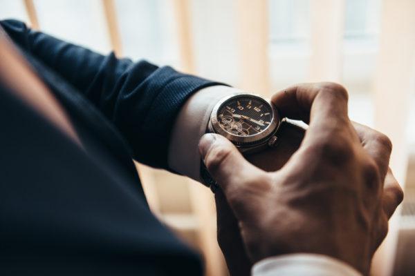 腕時計を外す心理で分かる男性と女性のそれぞれの想い