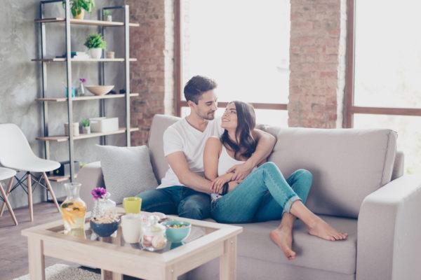 肩を組む心理には男性の恋愛感情は関係している?